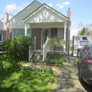 Beautiful Bungalow close to Wilson Station Available on August16