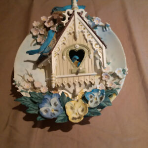 Nesting Neighbours Decorative Plate