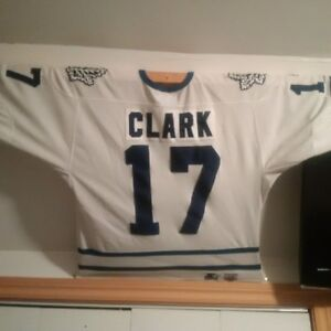 Toronto Maple Leaf Wendel Clarke Jersey , Large , no autograph