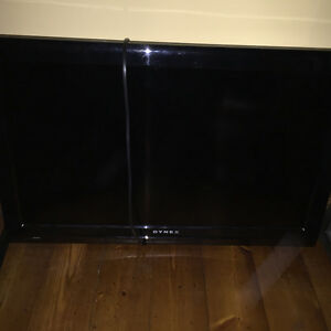 """32"""" TV with wallmount"""