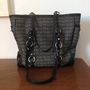 Authentic Coach Black Tote Bag Great Condition