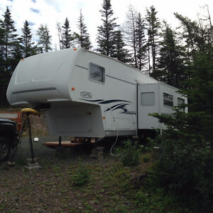 2003 Trailbay Fifth Wheel trailer