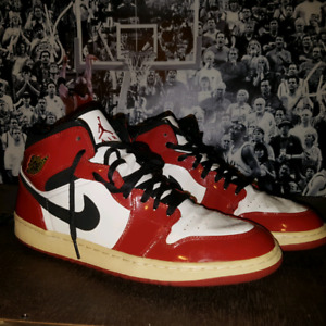 2003 jordan 1 chicago patant leather used size 13 $120.00 obo