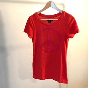 American Eagle Red T-shirt Peace Symbol