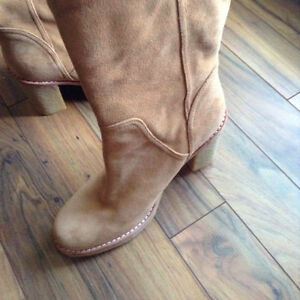 Ugg boots - excellent condition