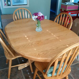 Kitchen table & 4 chairs