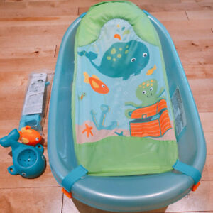 Summer Infant Ocean Buddies- Newborn to todder baby bathtub