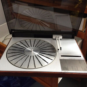BeoGram 4004 Turntable, Bang and Olufsen