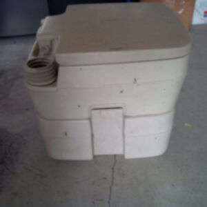 Sealand 960 Portable Toilet used Kawartha Lakes Peterborough Area image 5