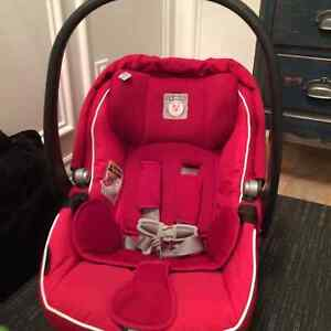 Coquille et 2 bases Peg perego