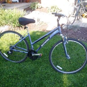 Women's Schwinn Hydra Hybrid Bicycle