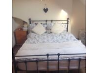 Lovely room available for short-term let