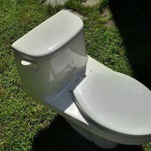 American Standard Cadet One-Piece ELongated Toilet Gatineau Ottawa / Gatineau Area image 1
