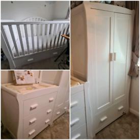 Nursery furniture V.I.B Dax Deluxe Sleigh 3 Piece Room Set