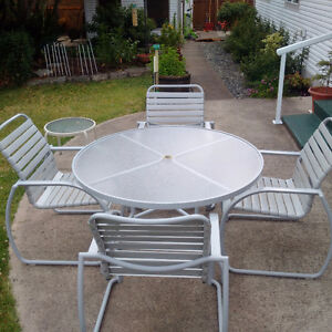 MOVING TO ONTARIO - Outdoor Table & 4 Chairs - MUST SELL