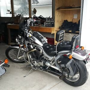 04 Intruder for sale. 1400 with lower seat and lots of power