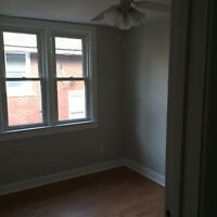 BRIGHT NEWLY RENOVATED ROOM FOR RENT! - 12 MINUTE WALK TO CAMPUS