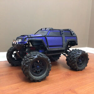 Traxxas Summit with Castle Creations Mamba