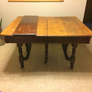 Antique Table & 6 Chairs!