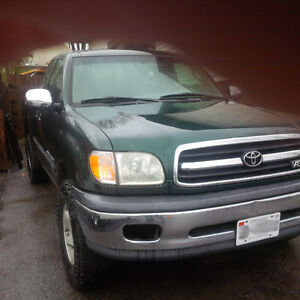 2000 Toyota Tundra Extended cab Pickup Truck