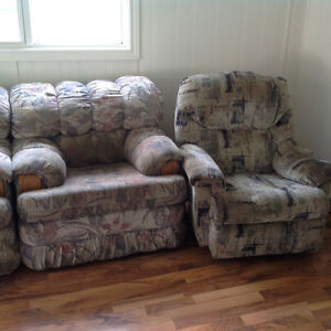 Free Mechanics couch, chair and recliner