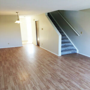 Stoney Creek Executive 2 Bed Rm Townhouse Style Available Now