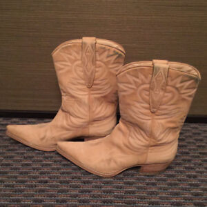GUESS Women's Cowboy Boots, US Size 8.5, Good Condition!