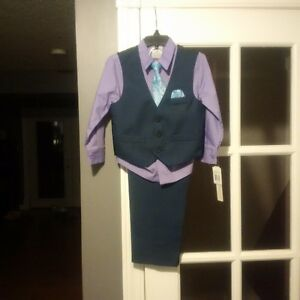 3T boys navy suit- brand new with tags