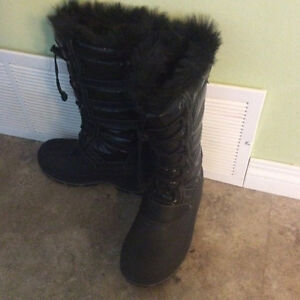 Woman boots size 7