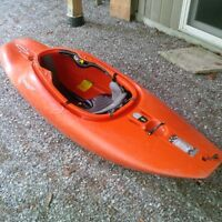 White water play boat
