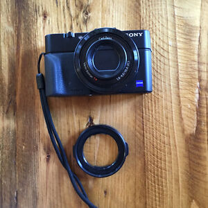 Sony RX100 II (mark 2) viewfinder is extra