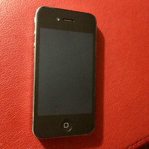 Iphone 4 comme neuf!!! Avec Bell