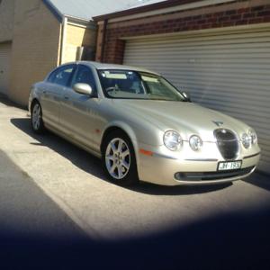 Jaguar 2005 S type luxury model
