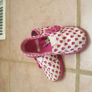 Baby girl Size 4-5 shoe lot for sale (6 pairs)