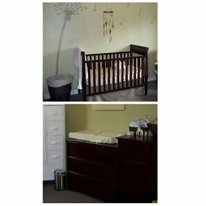 Crib and Dresser/Changetable set