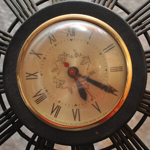 Vintage 1960's electric wall clock by Sessions. Kitchener / Waterloo Kitchener Area image 2