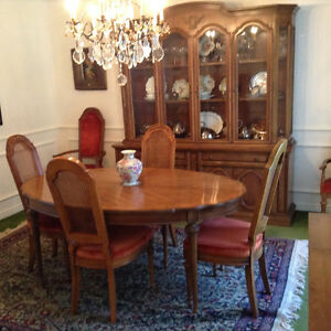 10-piece Thomasville Dining Suite