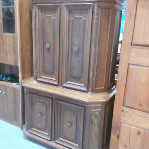 Wooden wall unit w/ built in retro record player