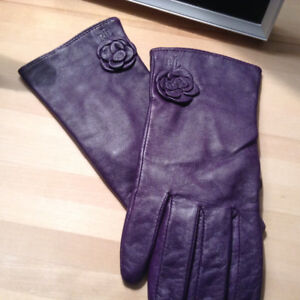 Ralph Lauren womens leather gloves size small, colour eggplant