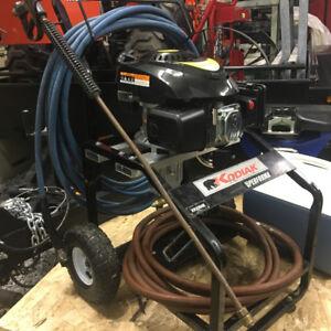 Laveuse Pression: Moteur 6HP et Pompe NEUF / Pressure Washer