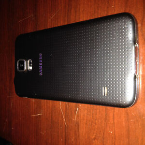 Samsung Galaxy S5 8 months old Cracked screen (Best offer) Gatineau Ottawa / Gatineau Area image 2