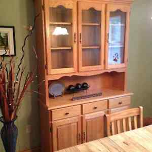 China Cabinet Oak  Handcrafted Beautiful $400