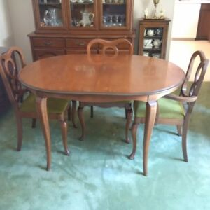Dining Room Set W China Cabinet