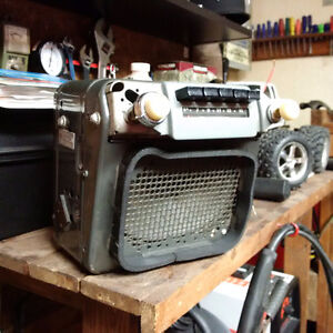 1947 to 1954 GM 6 volt radio for trucks or cars.
