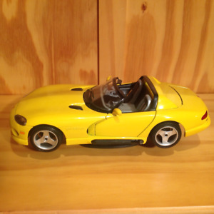 Burago diecast Dodge Viper yellow RT/10 roadster, exc condition