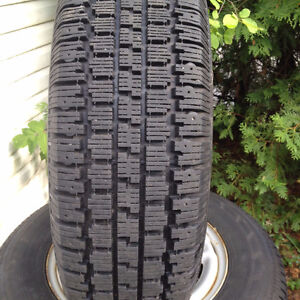 Four Nordic Wintertrac snow tires on rim. 205/75r15 Gatineau Ottawa / Gatineau Area image 2