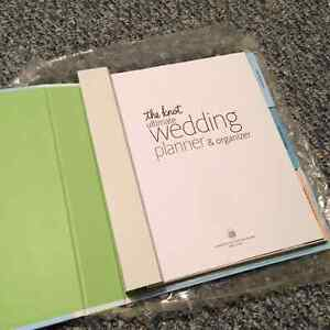 Brand New - The Knot Ultimate Wedding Planner and Organizer Cambridge Kitchener Area image 2
