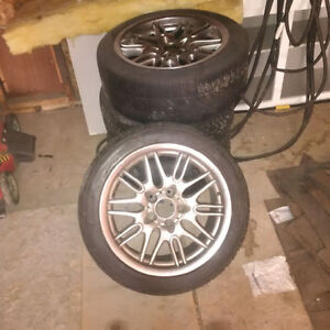 4 x Tires Size :  P265/70/R17  Plus one spare rim with tire