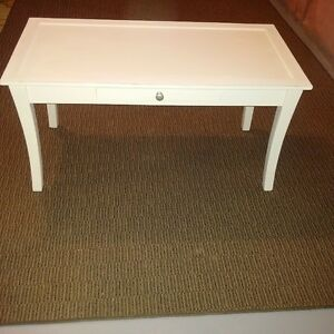 Solid wood Coffee Table ornate design woth drawer