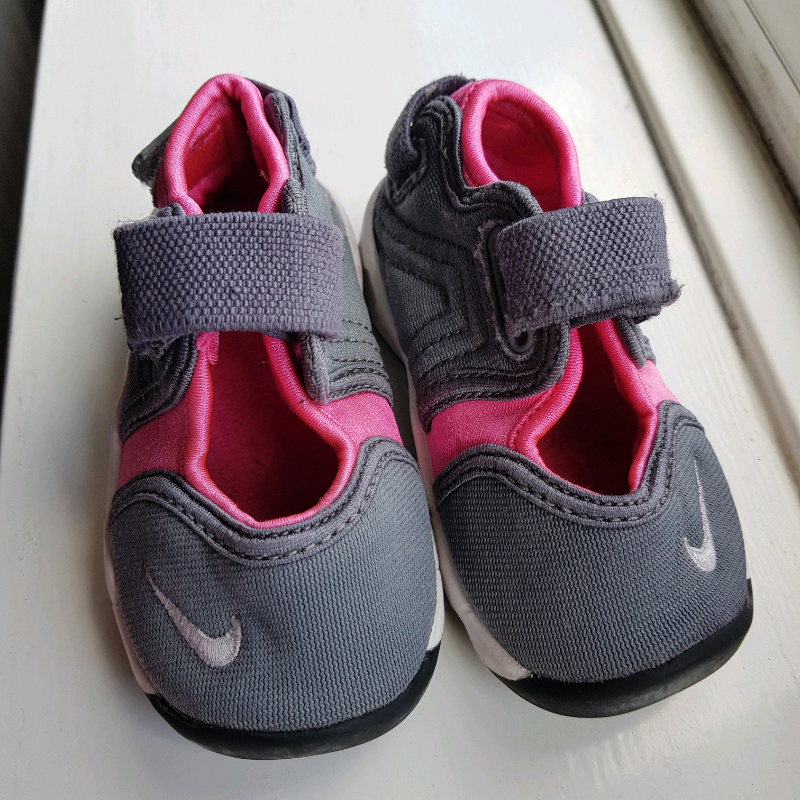 nike sandal shoes trainers infant size 4 | in Todmorden, West Yorkshire |  Gumtree